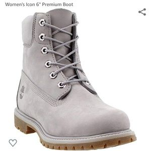 Women's 6 Inch Premium Boots in Lilac